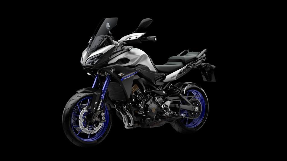 2015-Yamaha-MT09-Tracer-EU-Race-Blu-Studio-014